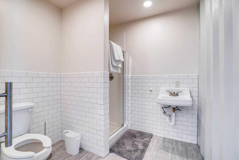 Bathroom – Box Office Warehouse Suites